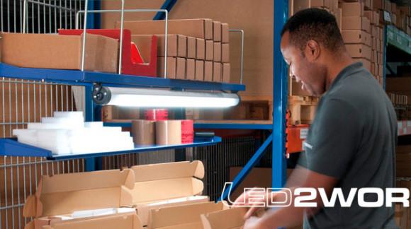 Iluminación LED industrial económica para puestos de trabajo en industria y montaje